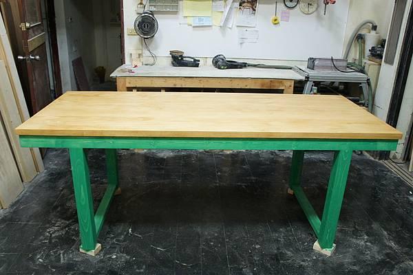 紐西蘭松木-綠配松木色.JPG