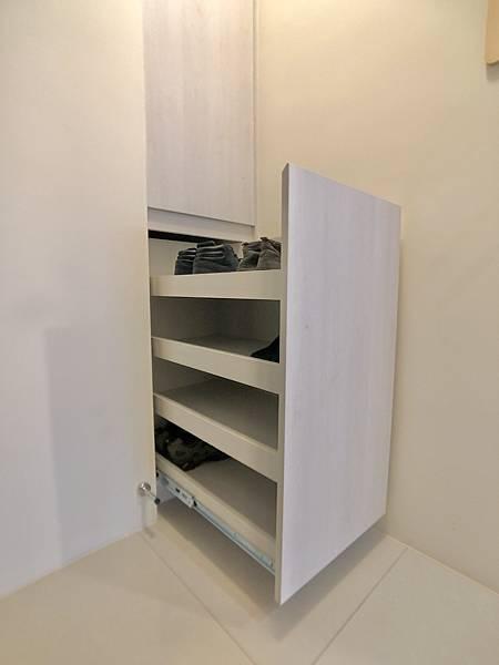 (圖3)玄關_拉抽鞋櫃.jpg