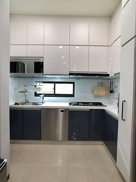 圖9 廚房.jpg