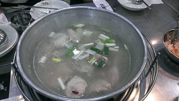 1.東大門站 陳玉華一隻雞.jpg