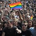 gay pride paris.jpg