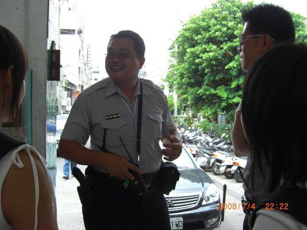 被詢問的A警察.JPG