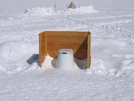 adaymag-top-10-public-toilets-012-830x622.jpg