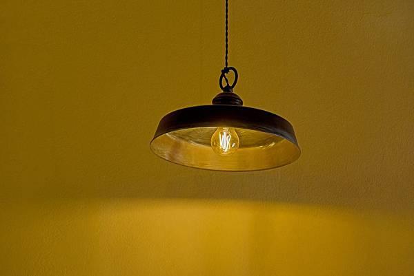 light-3392173_1920.jpg