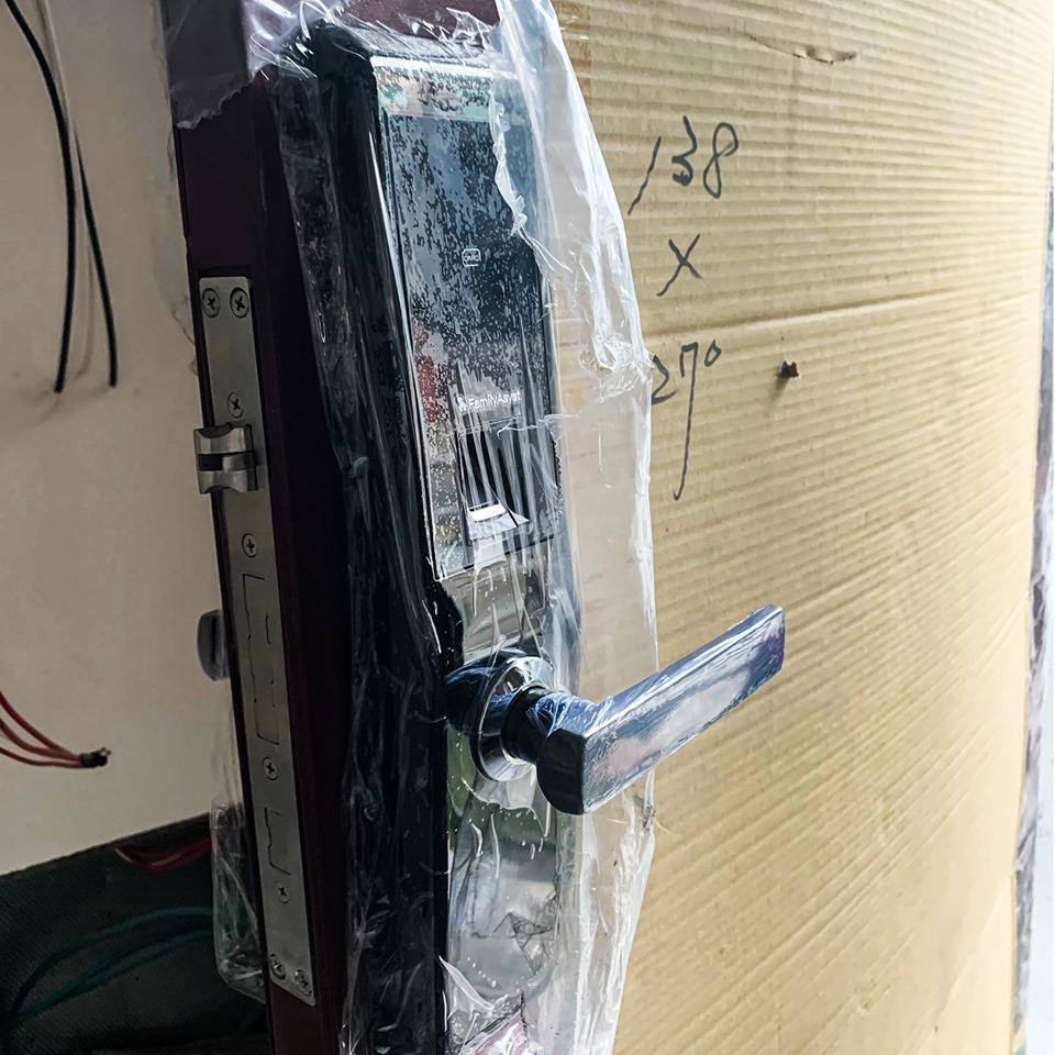 電子鎖保養【四】:低電量要更換電池 智慧管家電子鎖PTT心得