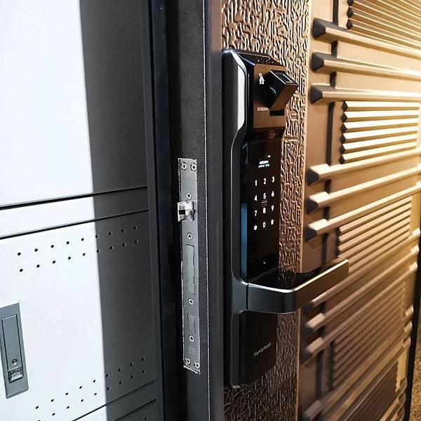 指紋鎖推薦PTT 密碼鎖推薦PTT 都選七合一的智慧管家電子鎖