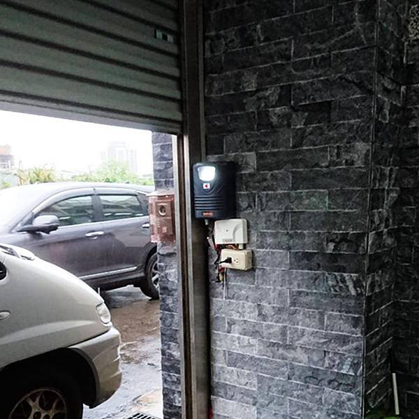 用 Siri 和 Google 控制你的車庫門 捲門衛士