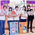 圖說:藝本萬曆筆記本作者,由左至右創作者:瑀庭、琪美、翰仁、李心及子翰.jpg