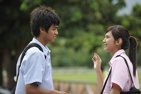 小野評曹世輝與韋秀惠的演出,有那些年羞澀有生動自然的味道.jpg