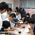 4.專講後同學排隊給講師簽名