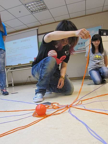 楓葉在課程中勇於挑戰每一個任務.JPG