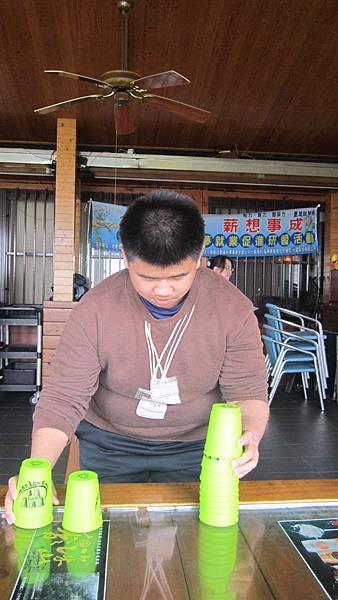 學員過去參與職場就業培力班課程-挑戰疊杯競賽遊戲