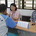 學生與就業促進員進行個別諮詢
