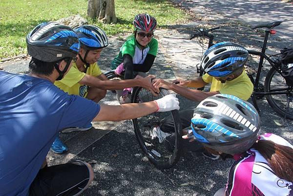 單車旅行過程中發生的狀況,可以培養青少年解決問題的能力