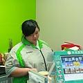 小婕在全家便利商店實習,在工作中學習與成長 (1)