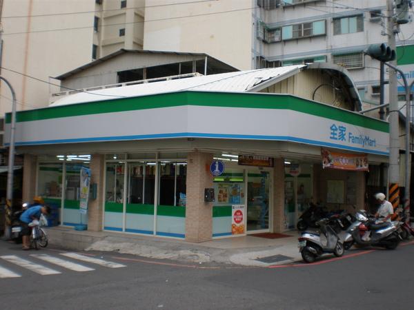 台南富農店3.JPG