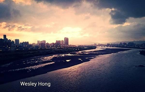 颱風天 忽晴忽雨的板橋
