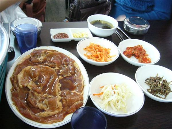 第一天的中餐-韓國烤肉餐