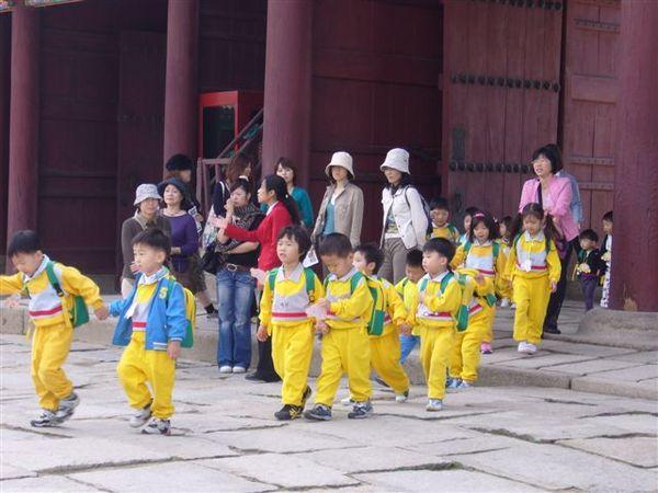 很可愛的韓國小朋友