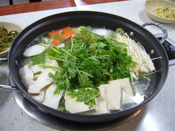 第三天的晚餐-涮涮鍋+石頭拌飯