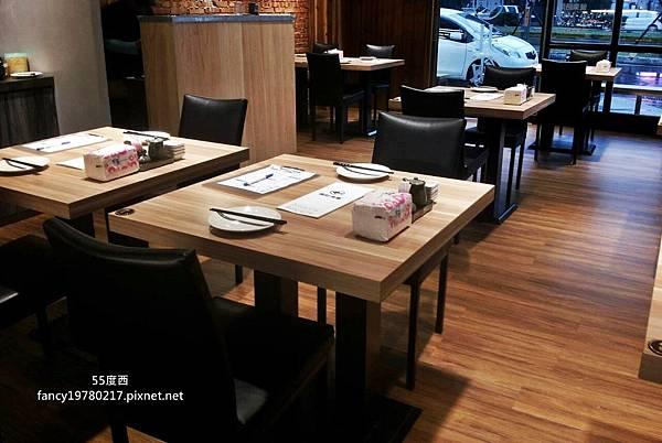 櫃台 客桌椅2.jpg