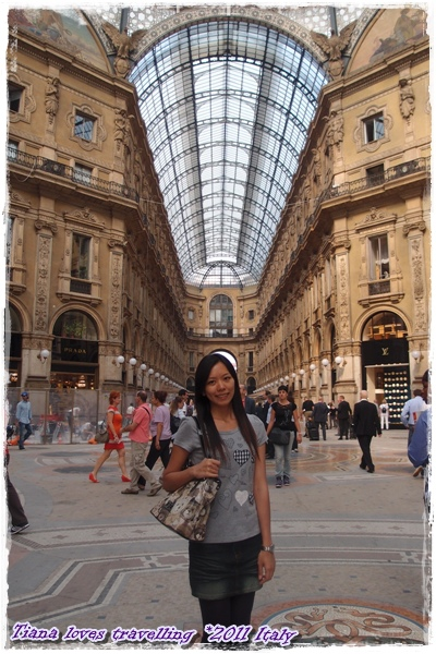 Galleria Vittorio Emanuele II 維托艾曼紐二世拱廊.JPG