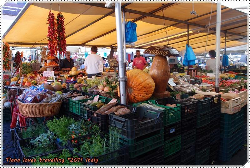 ROMA 羅馬 Piazza Campo dei Fiori 鮮花市集 鮮花廣場 05.JPG