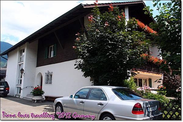 Garmisch-Partenkirchen 加米許-帕騰基興 住宿-Gästehaus Buchwieser (11).JPG
