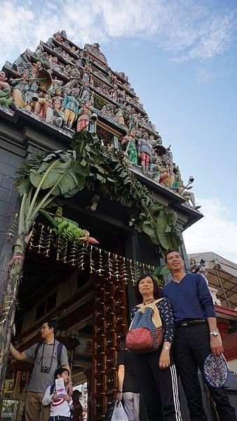 霖霖暴走新加坡 ※ DAY 1 -- 到步‧牛車水 (10) 馬里安曼興都廟.JPG