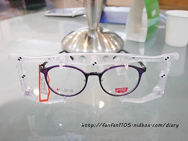 【配鏡推薦】 大學眼鏡 大學i精準智能驗配術 多焦點眼鏡 讓我看遠看近一付搞定 (18).JPG