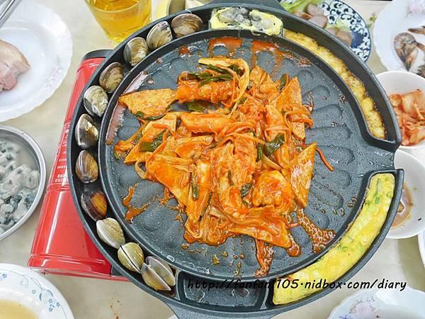 韓國Kitchen Art 元祖夯肉不沾烤盤 34cm (5).JPG