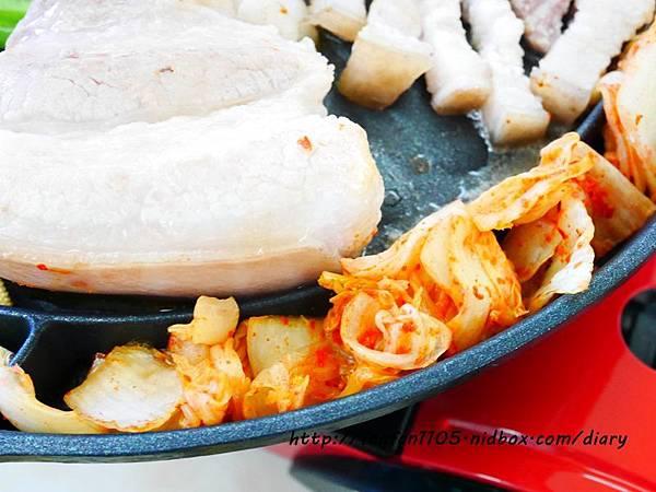 韓國Kitchen Art 元祖夯肉不沾烤盤 34cm (13).JPG