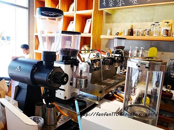 【汐止早午餐咖啡】馬克老爹咖啡烘焙門市 高CP值的咖啡王國 咖啡控可別錯過 (33).JPG