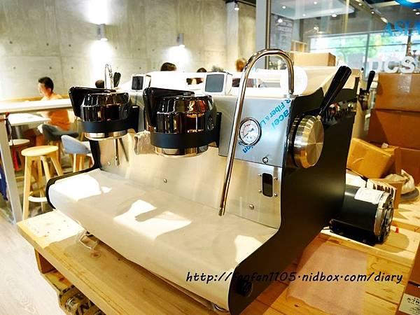 【汐止早午餐咖啡】馬克老爹咖啡烘焙門市 高CP值的咖啡王國 咖啡控可別錯過 (34).JPG