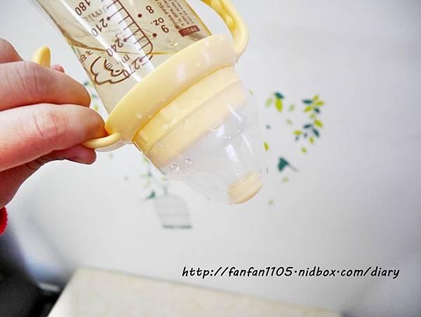 小獅王辛巴 PPSU自動把手寬口雙凹中奶瓶 母乳記憶超柔防脹氣奶嘴 滿足寶寶口腔期發展 (4).JPG