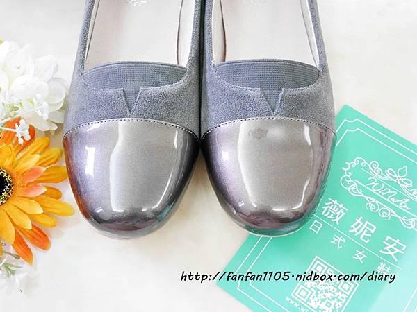 【秋冬鞋款推薦】 Winean 薇妮安 日式女鞋 氣質輕便外出低跟鞋(岩灰色) (4).JPG
