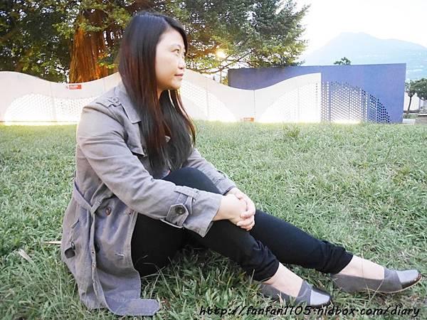 【秋冬鞋款推薦】 Winean 薇妮安 日式女鞋 氣質輕便外出低跟鞋(岩灰色) (16).JPG