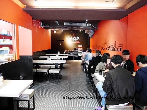 【中和美食】小惡魔炭燒牛排 內用免費送湯品、飲料、冰淇淋無限供應 (9).JPG