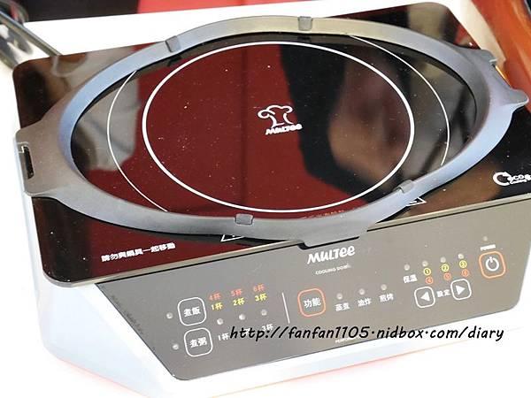 摩堤BBQ神器 MULTEE歡樂無煙燒烤組、F10 IH電磁爐、鑄鐵烤盤、抽油煙機  (24).JPG
