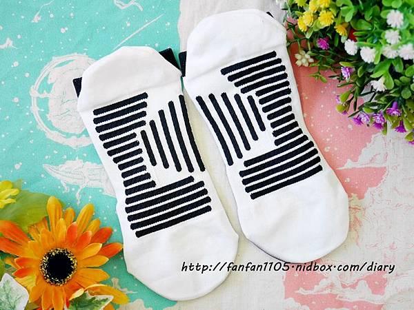 58客製襪 一雙就客製 客製襪 祈福襪 有錢襪 小人襪 (9).JPG