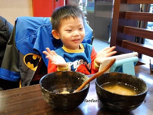 小兒利撒爾 雙效晶明葉黃素 專為兒童設計的營養補充品 (11).JPG