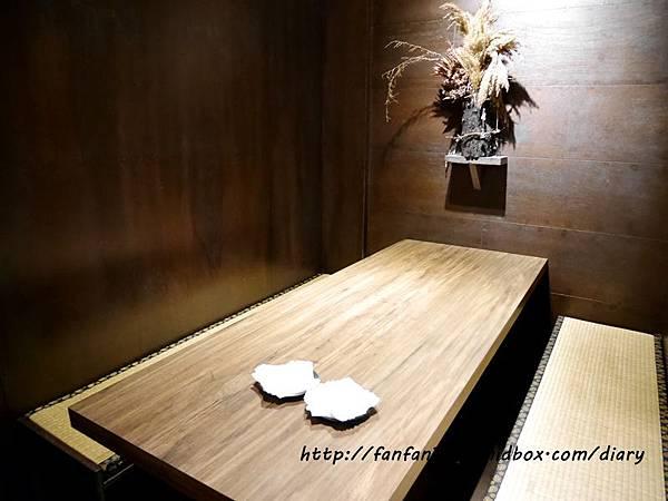 【南港居酒屋】武侍酒居酒屋 武士主題餐廳 捷運南港展覽館 串燒居酒屋 聚餐餐廳 (1).JPG