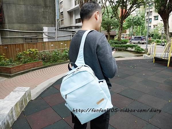 FoxPacker 狐狸背客 時尚雙肩後背包 休閒、商務、旅遊都適合 (16).JPG