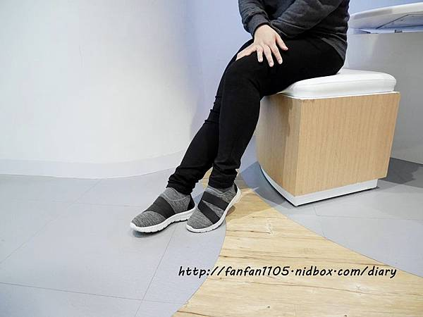 Elegent Walk EW女鞋 氣質蝴蝶結娃娃鞋 Walk健走系列無印風簡約輕量運動鞋 輕量又舒適 (15).JPG