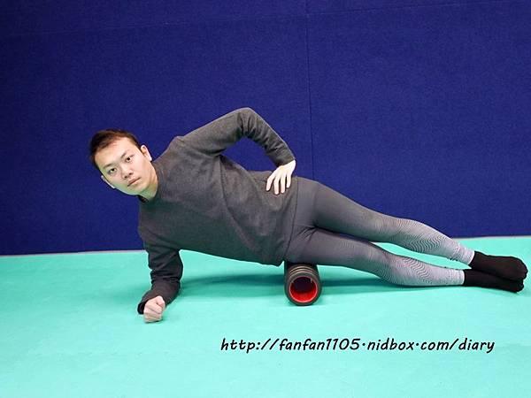 Adidas 按摩泡棉滾筒 舒緩肌肉疲勞 運動前後的好幫手 (4).JPG