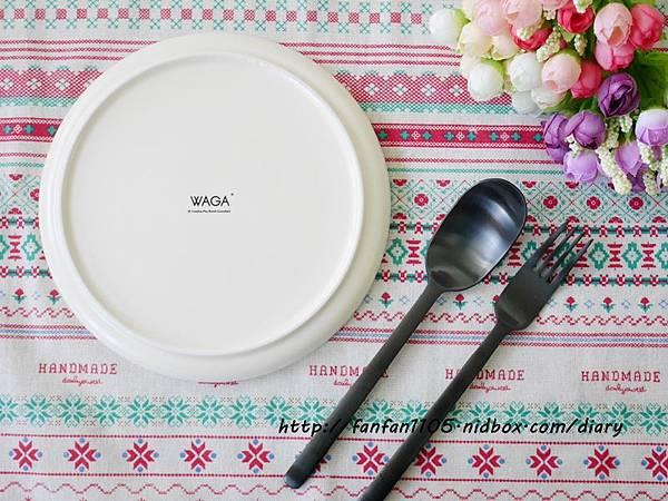 【居家美學】 WAGA 日式陶瓷餐具組 平價高質感的餐桌布置 (6).JPG