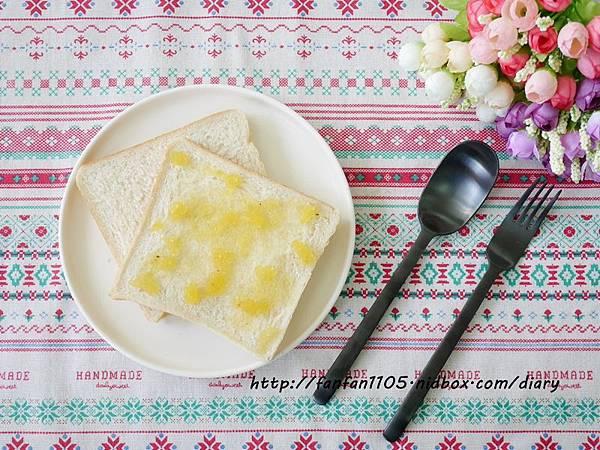 【居家美學】 WAGA 日式陶瓷餐具組 平價高質感的餐桌布置 (8).JPG