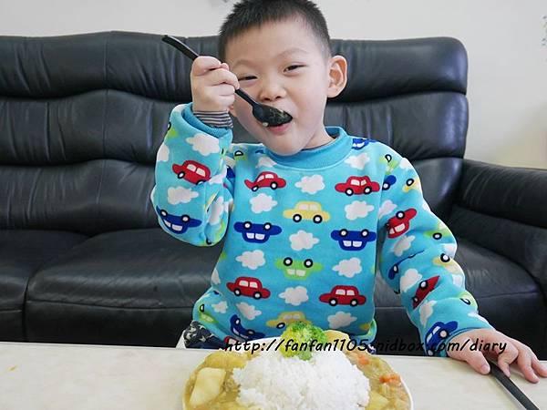 【居家美學】 WAGA 日式陶瓷餐具組 平價高質感的餐桌布置 (12).JPG