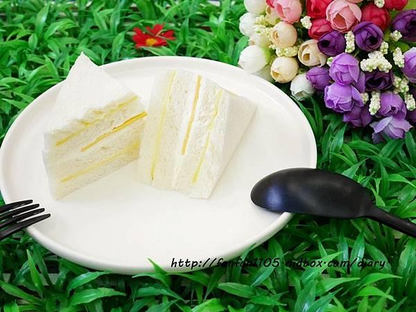 【居家美學】 WAGA 日式陶瓷餐具組 平價高質感的餐桌布置 (14).JPG