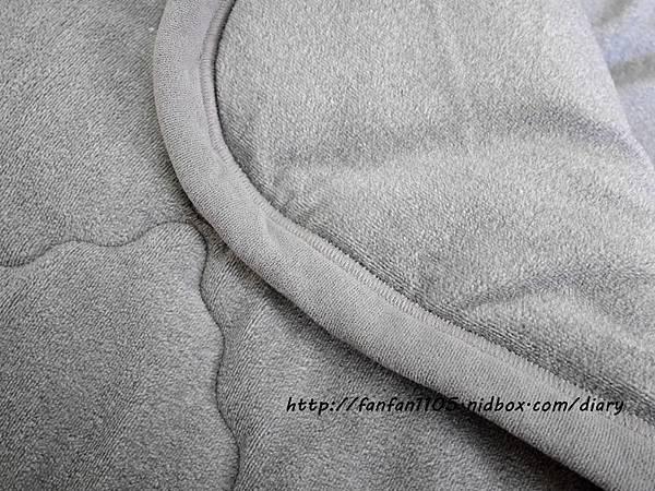 【竹炭刷毛毯】皇家竹炭 竹炭魔力刷毛毯56呎 竹炭刷毛+竹炭棉心 保暖更加倍 (5).JPG